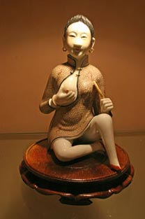 statue at Sex Museum, Suzhou