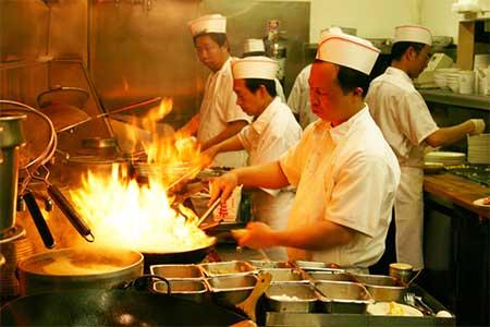 Busy Restaurant Kitchen restaurant nightmares: argument between chefs turns into full-on