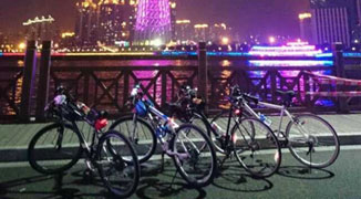 Bright Lights & Quiet Streets: Night Biking in Guangzhou
