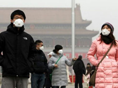 China In To Guide Masks Face 外国人网 Waiting Buying Exhale