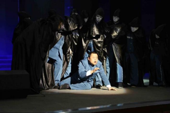 Chinese Man Steals to Join Shanghai Prison Theatre Group
