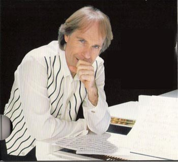 """Piano Prince"" Richard Clayderman Performs in Yiwu June 23"